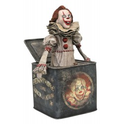 PENNYWISE IN THE BOX DIAMOND GALLERY DIORAMA 26cm